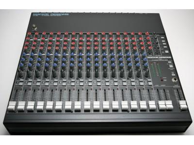 Микшерный пульт Mackie CR1604, 6 каналов моно,4 стерео пары, 2 AUX