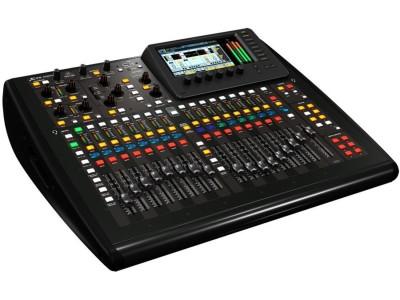 Цифровой микшерный пульт Behringer X32 COMPACT-TP  16 MIDAS предусилителей, 17 мот-ных фейдера, FireWire/USB аудио интерфейс спец.туровый кейс